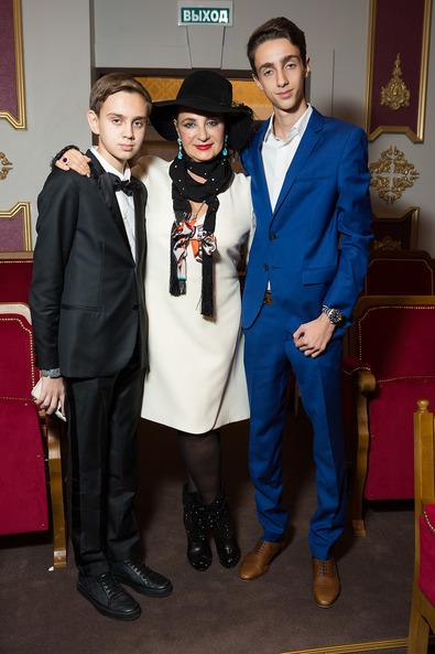 Ирина Александровна Винер с внуками
