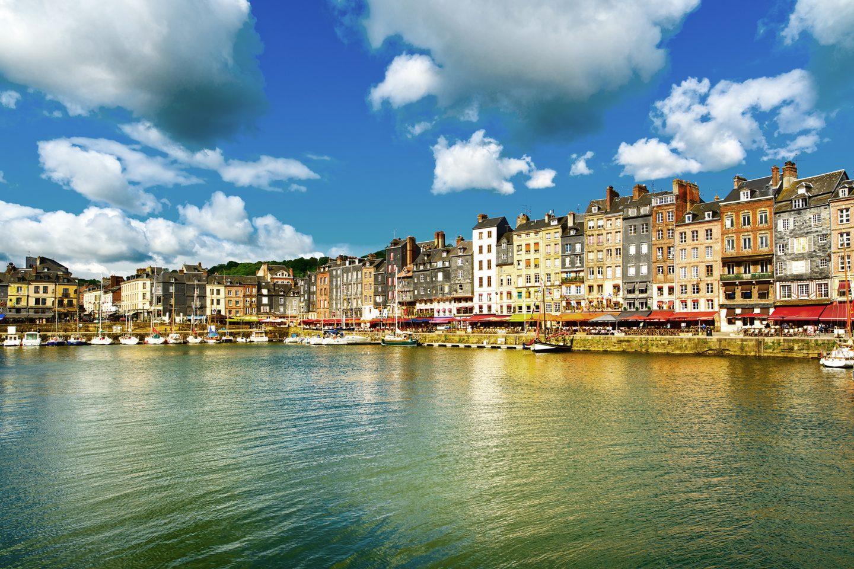 Атлантическое побережье Франции — излюбленное место отдыха богемы иаристократии