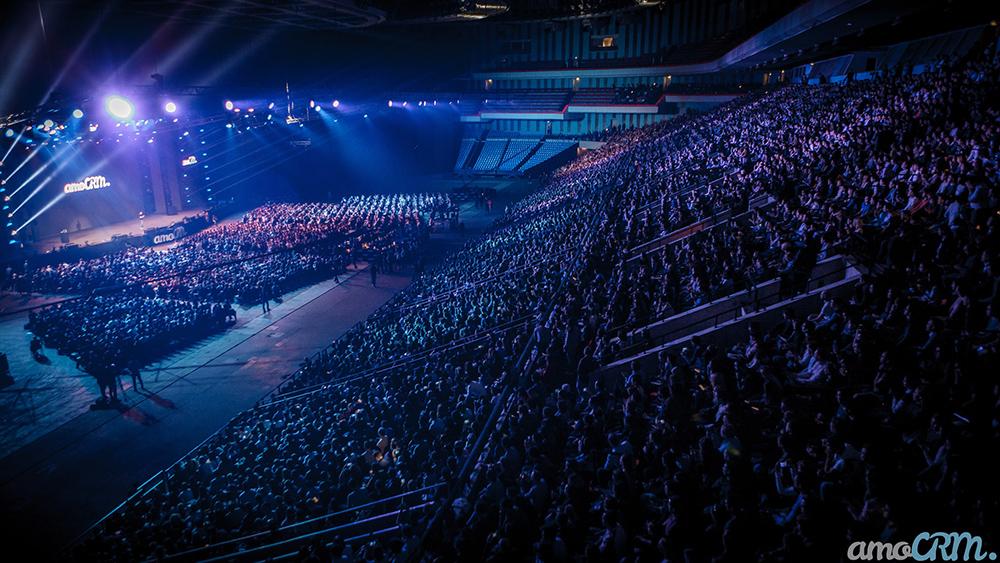Крупнейшая бизнес-конференция в России собирает 25000 предпринимателей в Олимпийском