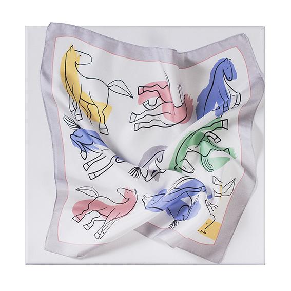 Платок-паше «Кони». Принт по мотивам Пабло Пикассо. Иллюстрация к поэме «Полуночные кони» Рок Грей (Элен Эттинген). 1956. Частное собрание (Франция)