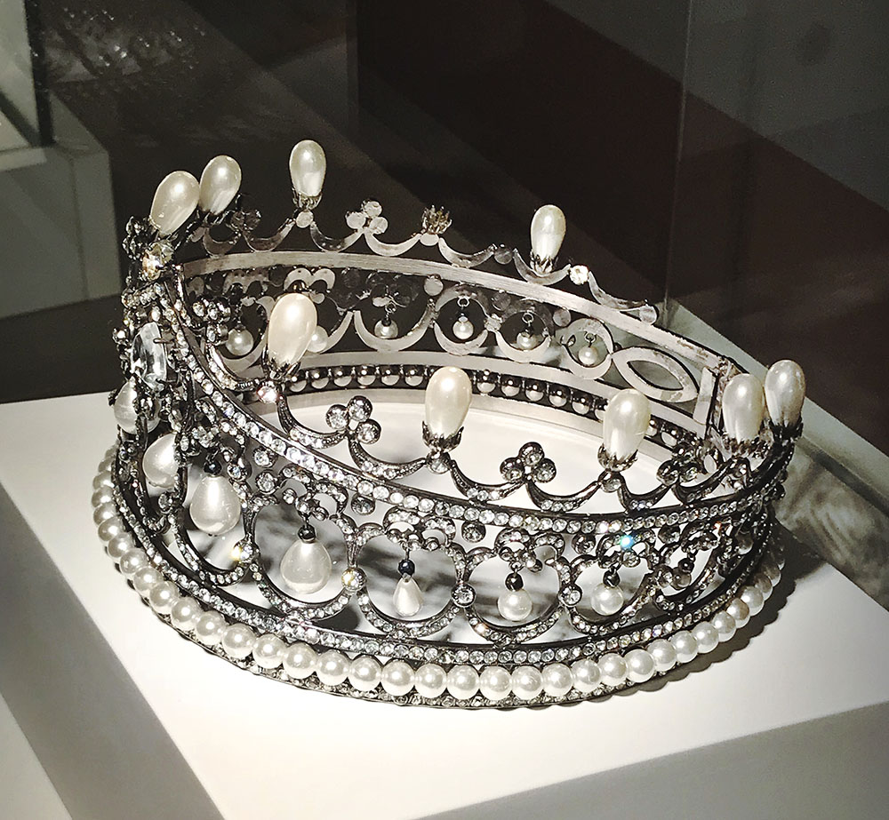 simvoly-vlasti-v-museo-del-gioiello