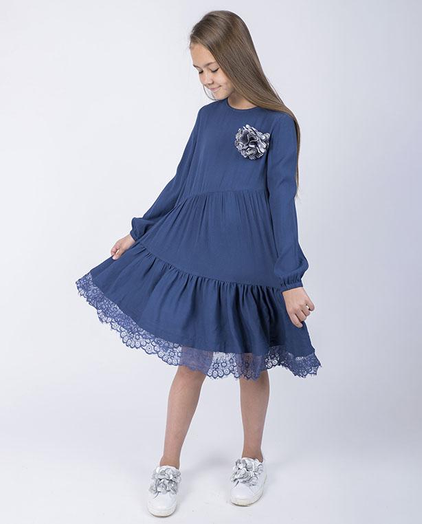 f99cbf73b5d7991 Разглядеть её очертания можно и на изделиях из кружева, и на легком  акварельном рисунке. Яркий пример — белое платье с принтом: выразительный  цветочный ...